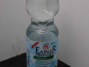 Mineralwasser ohne Kohlensäure von Extaler