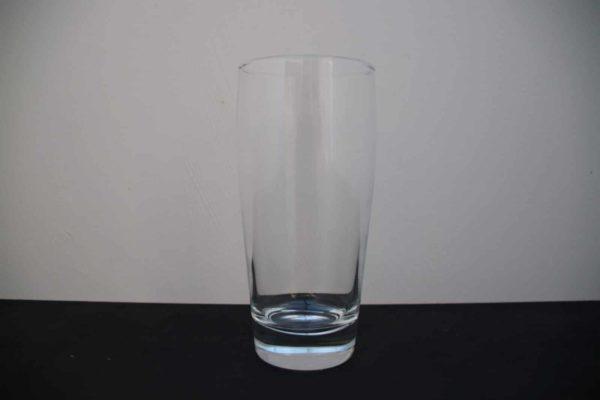 Glas für Wasser oder andere Getränke