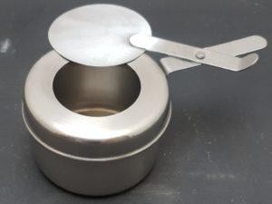 Behälter für Brennpaste die man unter den Chafing Dish setzt